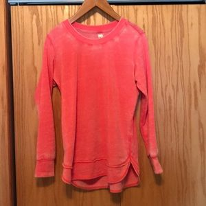 Light weight top/sweatshirt